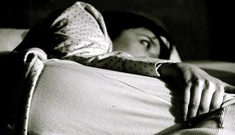 La falta de sueño crónica puede afectar a las neuronas