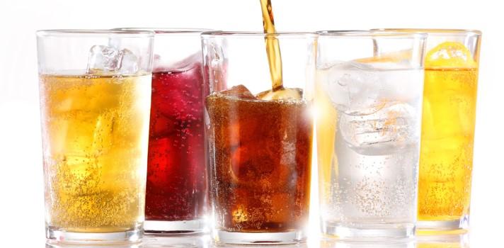 Preocupa el alto consumo de bebidas azucaradas en Chile, ¿cuáles son los riesgos?