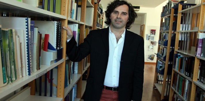 Professor Carlos Melo-Dias