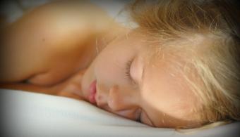 Dormir 8 horas reduce el riesgo de sobrepeso en un 36%