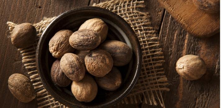 Las nueces y frutos secos en general son el ejemplo clásico de superalimentos fáciles de conseguir