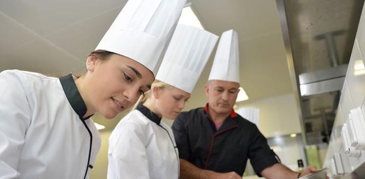 Además de facilitar la elaboración de los platos, la realidad aumentada ofrece una mejor experiencia a los comensales