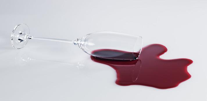 Cómo disfrutar de una copa de vino sin sufrir la odiosa resaca