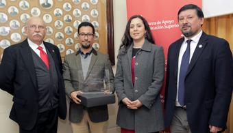 Docente de la U. Metropolitana de Ciencias de la Educación fue premiado con Beca Iberoamérica