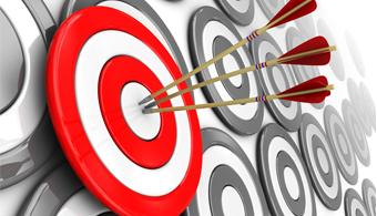 <p style=text-align: justify;>Tomarse un tiempo considerable para crear metas gratificantes hace que las mismas parezcan menos complejas de lograr, y la situación <strong>se torna más positiva aún cuando a través de los objetivos de la empresa también podés lograr los tuyos propios</strong>. A continuación te contamos cómo podés lograr esto.</p><p></p><p><strong>Lee también</strong><br/><a style=color: #ff0000; text-decoration: none; title=8 pasos para empezar a lograr tus metas href=https://noticias.universia.com.ar/en-portada/noticia/2012/09/07/964762/8-pasos-empezar-lograr-metas.html>» <strong>8 pasos para empezar a lograr tus metas</strong></a><br/><a style=color: #ff0000; text-decoration: none; title=5 aplicaciones para que cumplas con todas tus metas href=https://noticias.universia.com.ar/ciencia-nn-tt/noticia/2014/04/21/1095065/5-aplicaciones-cumplas-todas-metas.html>» <strong>5 aplicaciones para que cumplas con todas tus metas</strong></a><br/><a style=color: #ff0000; text-decoration: none; title=Metas que deberías plantearte en los primeros años de trabajo href=https://noticias.universia.com.ar/en-portada/noticia/2013/05/24/1025521/metas-deberias-plantearte-primeros-anos-trabajo.html>» <strong>Metas que deberías plantearte en los primeros años de trabajo</strong></a></p><p style=text-align: justify;></p><h4 style=text-align: justify;>>> Identificá la etapa en la que te encontrás</h4><p style=text-align: justify;>Antes que nada es fundamental que veas dónde estás parado y cuál es tu realidad en este momento en particular. Una vez que tengas esto en claro podrás empezar a delinear metas y a valorar el camino recorrido. Disfrutá del ahora, más adelante tendrás tiempo de concentrarte en el futuro.</p><h4 style=text-align: justify;></h4><h4 style=text-align: justify;>>> ¿Qué aspectos de tu realidad profesional te gustaría modificar?</h4><p style=text-align: justify;>En algunos casos resulta más complejo identificar las cosas que más te molestan aquellas con las 