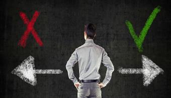 <p style=text-align: justify;>Por la cantidad de horas que se está en la oficina, el trabajo se convierte en tu segunda casa y por lo tanto, <strong>la decisión de cambiar de empresa se convierte en una decisión fundamental en tu vida</strong>. Con el fin de ayudarte a darte cuenta cuándo vale la pena terminar con una relación de trabajo, a continuación te damos algunos <strong>consejos</strong>.</p><p style=text-align: justify;></p><p><strong>Lee también</strong><br/><a style=color: #ff0000; text-decoration: none; title=¿Cómo me doy cuenta de que tengo que cambiar de trabajo? href=https://noticias.universia.com.ar/empleo/noticia/2014/06/17/1098981/como-doy-cuenta-cambiar-trabajo.html>» <strong>¿Cómo me doy cuenta de que tengo que cambiar de trabajo?</strong></a><br/><a style=color: #ff0000; text-decoration: none; title=¿Por qué los argentinos deciden cambiar de trabajo? href=https://noticias.universia.com.ar/empleo/noticia/2014/11/06/1114536/argentinos-deciden-cambiar-trabajo.html>» <strong>¿Por qué los argentinos deciden cambiar de trabajo?</strong></a></p><p style=text-align: justify;></p><h4 style=text-align: justify;>>> Te sentís estancado</h4><p style=text-align: justify;>No debés ser ni el primer ni el último empleado que se siente estancado en su trabajo y que no sabe hacia dónde ir. Esto puede deberse a que<strong> no hay probabilidades ciertas de recibir un aumento o un ascenso</strong>, ni hay nuevos retos o proyectos.</p><p style=text-align: justify;></p><p style=text-align: justify;>Antes de abandonar el barco, es importante que pienses si verdaderamente has buscado oportunidades y si has trabajado para conseguirlas.</p><h4 style=text-align: justify;></h4><h4 style=text-align: justify;>>> No tenés un buen relacionamiento con tus compañeros</h4><p style=text-align: justify;>Por más que el trabajo no sea la vida misma, para sentirte cómodo en tu oficina es necesario que tengas un buen relacionamiento con tus jefes y/o colegas. Por este motivo, si sentís q
