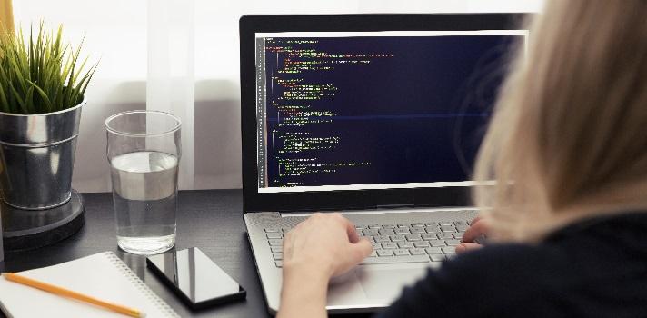 Si te esfuerzas y trabajas duro podrás ser un buen Programador en cuestión de meses