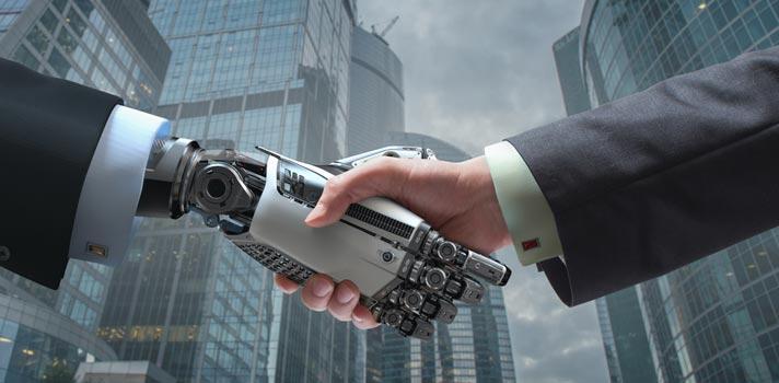 La robotización de muchas tareas y puestos de trabajo obligará a que los profesionales aprendan a trabajar con máquinas automatizadas