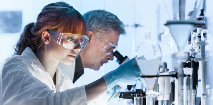 La incorporación de la mujer al mundo laboral también le ha permitido ganar puestos en la formación de ciencias