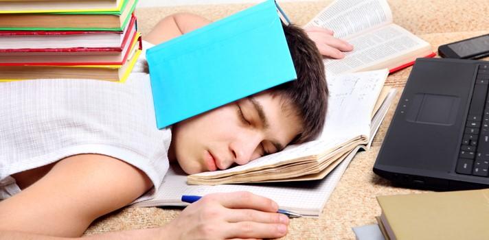 Deja de dormirte cuando debes estudiar, estas apps te ayudarán a hacerlo