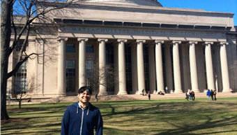 ¿Quién es el primer argentino en el MIT?