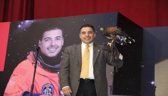 El astronauta José María Hernández Moreno brindó ponencia en la UPAEP