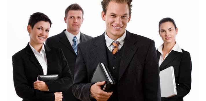 Un buen nivel de inglés, una actitud segura y un discurso persuasivo son buenas habilidades para la atención al cliente
