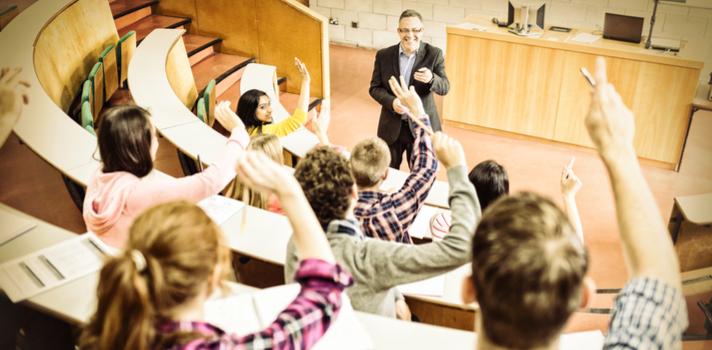 Una gestión por bloques permite a la Universidad contar con una relación más cercana entre alumnos y profesores