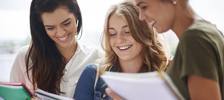 La clave del éxito con las RRSS es mantenerse al día con las tendencias y el comportamiento de los alumnos