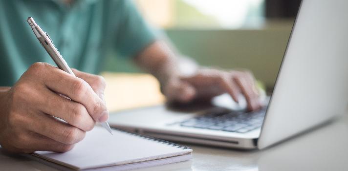 Descubre las universidades con las que puedes cursar carreras online.