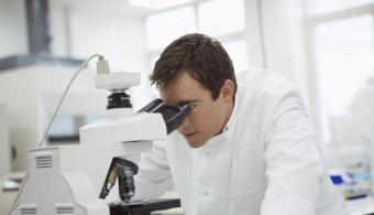 Descubren 2 variantes de genes que protegen del VIH a las personas