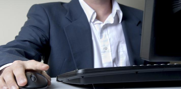 <p>La <strong>Cámara de Tecnologías de Información y Comunicación (Camtic)</strong> de Costa Rica presentó las conclusiones del Mapeo Sectorial realizado en conjunto con la <strong>Promotora del Comercio Exterior (Procomer)</strong> sobre 219 empresas del sector de tecnologías digitales del país. Entre las conclusiones a las que llegaron, es que en el período 2014-2016 los <strong>técnicos y diplomados en desarrollo software, web y plataformas informáticas</strong> serán los perfiles profesionales más demandados.</p><p><span style=color: #ff0000;><strong>Lee también</strong></span><br/><a style=color: #666565; text-decoration: none; title=El sector de tecnología tiene poca presencia femenina href=https://noticias.universia.cr/portada/noticia/2015/07/10/1128096/sector-tecnologia-poca-presencia-femenina.html>» <strong>El sector de tecnología tiene poca presencia femenina</strong></a><br/><a style=color: #666565; text-decoration: none; title=Costa Rica: aumenta demanda de profesionales del software href=https://noticias.universia.cr/en-portada/noticia/2014/04/02/1093265/costa-rica-aumenta-demanda-profesionales-software.html>» <strong>Costa Rica: aumenta demanda de profesionales del software</strong></a></p><p></p><p>El Mapeo Sectorial arrojó que las empresas del sector TIC en Costa Rica planean aumentar su número de trabajadores técnicos y diplomados en las siguientes proporciones: un 22% asegura que necesita más <strong>desarrolladores de software</strong>, un 15% <strong>desarrolladores web</strong> y un 11% personal para áreas de plataformas informáticas. Según el informe, los bachilleratos se contemplan en un 62% de los casos y luego le siguen los <strong>diplomados técnicos</strong>.</p><p><br/><br/>Al respecto de esto, la sub gerente técnica del <strong>Instituto Nacional de Aprendizaje</strong>, Ileana Leandro Gómez, declaró que la creencia sostenida durante mucho tiempo de que las carreras técnicas son mal remuneradas está lejos de la realidad.</p><blockquote s