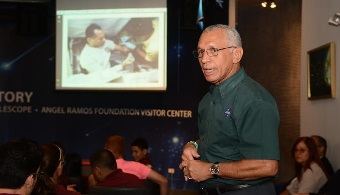 Administrador de la NASA visita el Observatorio de Arecibo para dialogar con estudiantes