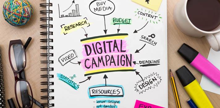 <p>Catalogada según la Escuela de Negocios Digitales Inesdi como una de las <a href=https://noticias.universia.com.ar/tag/profesiones-digitales/ title=Serie profesiones digitales target=_blank>profesiones digitales</a><strong>más demandadas</strong> en España durante el 2016, a continuación te contamos <strong>qué hace este profesional del marketing digital</strong>, cuál es su misión dentro de una empresa y qué estudiar para convertirse en uno.</p><blockquote style=text-align: center;><span>Conocé los</span><a href=https://cursos.universia.com.ar/marketing-en-internet-marketing-online class=enlaces_med_leads_formacion title=Portal de cursos Universia Argentina target=_blank id=CURSOS>cursos en marketing digital</a><span>que se ofrecen en distintas instituciones</span></blockquote><p>La <strong>tarea principal del RTB Manager o Responsable de Conversión y Captación Programática</strong> es la de optimizar las campañas de captación realizada por la empresa, disminuyendo costes e incrementando el número de conversiones a través de la utilización de programas de compra programática y el estudio del perfil de los clientes.</p><p></p><p><strong>¿Qué es el Real Time Bidding (RTB) y compra programática?</strong></p><p>RTB es conocido en español como <strong>puja en tiempo real</strong>, es una tecnología que se encarga de la subasta en tiempo real de los distintos espacios publicitarios. En esta subasta, que se realiza en un Ad exchange, <br/>el comprador presentará una oferta y una especificación general del público en el que está interesado, como pueden ser mujeres de 40 años en una ciudad determinada. Esto hace que sin intervención humana se lleve a cabo la compra automática de inventario publicitario al coincidir la oferta del comprador con el precio subastado en ese instante. </p><p>Por su parte, la <strong>compra programática</strong> va un paso más allá y permite ver en tiempo real un detalle más específico del publico que impactaría con determinada impresión antes 