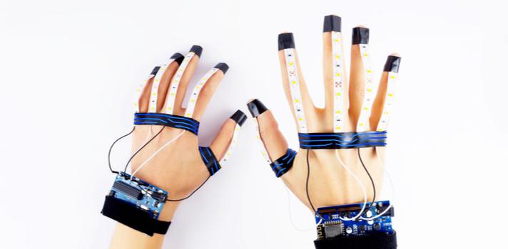 Los guantes hápticos son una excelente opción a la hora de dar clase y mejorar las competencias de los alumnos