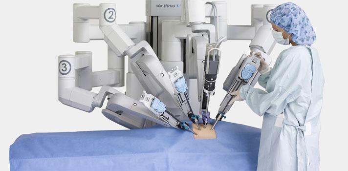 O robot Da Vinci consiste numa sofisticada plataforma robótica que representa a vanguarda desta área no mundo