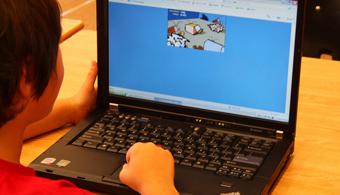 """<p style=text-align: justify;>Aunque los adolescentes de esta época sean considerados """"nativos digitales"""", esto no quiere decir que realmente cuenten las capacidades y conocimientos en el área digital que les servirán en el futuro para su desarrollo personal y profesional. Esto fue demostrado por el <strong><a title=Conoce más sobre el estudio realizado por la IEA href=https://www.iea.nl/fileadmin/user_upload/Studies/ICILS_2013/IEA_ICILS_Press_Release.pdf target=_blank>estudio que realizó la Asociación Internacional para la Evaluación del Rendimiento Educativo (IEA)</a></strong> sobre el uso que hacen los alumnos de la tecnología en 18 países del mundo más dos regiones de Argentina y Canadá.<br/><br/></p><p style=text-align: justify;></p><p><strong>Lee también</strong><br/><a style=color: #ff0000; text-decoration: none; title=Problemas de comprensión lectora: nueve de cada diez casos se pueden tratar en el aula href=https://noticias.universia.net.co/actualidad/noticia/2014/09/22/1111887/problemas-comprension-lectora-nueve-cada-diez-casos-pueden-tratar-aula.html>» <strong>Problemas de comprensión lectora: nueve de cada diez casos se pueden tratar en el aula</strong></a><br/><a style=color: #ff0000; text-decoration: none; title=Preocupa la mala redacción de textos y el bajo nivel de comprensión lectora de los estudiantes href=https://noticias.universia.net.co/vida-universitaria/noticia/2014/08/22/1110277/preocupa-mala-redaccion-textos-bajo-nivel-comprension-lectora-estudiantes.html>» <strong>Preocupa la mala redacción de textos y el bajo nivel de comprensión lectora de los estudiantes</strong></a><br/><a style=color: #ff0000; text-decoration: none; title=Científicos revelan que el movimiento de los ojos es clave para comprender lo que leemos href=https://noticias.universia.net.co/en-portada/noticia/2014/04/28/1095523/cientificos-revelan-movimiento-ojos-clave-comprender-leemos.html>» <strong>Científicos revelan que el movimiento de los ojos es clave para comprender lo """