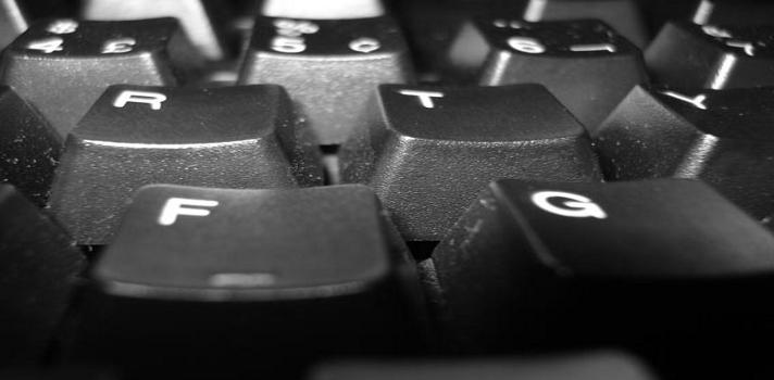 ¿Cómo limpiar el teclado del ordenador sin dañarlo? ¡Resuelto!