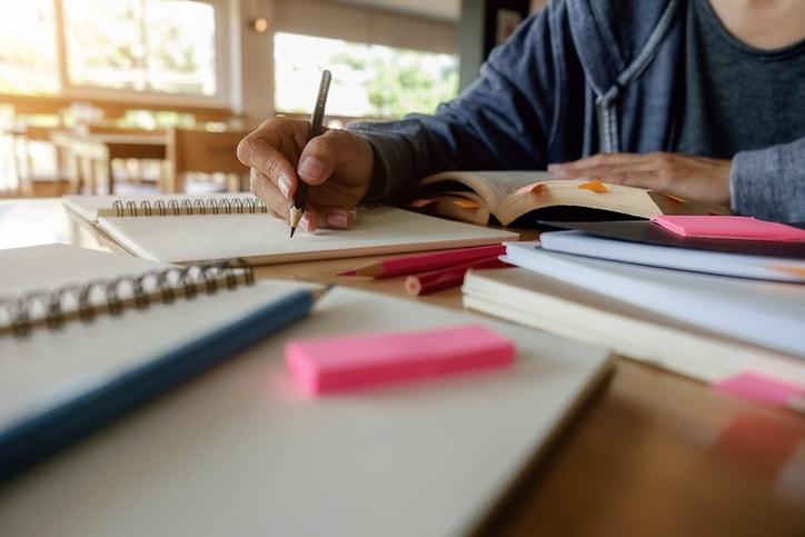Tomar apuntes en la universidad: cómo mejorar resultados