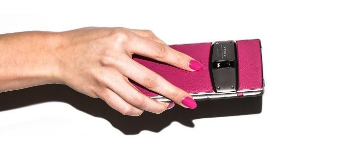 Vertu, la firma que fabrica teléfonos móviles de lujo