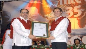 Entrega del título Doctor Honoris Causa en Ciencias a Erich Kunhardt