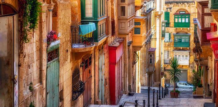 Malta formó parte del Imperio Británico durante más de un siglo y medio y obtuvo su independencia en 1964