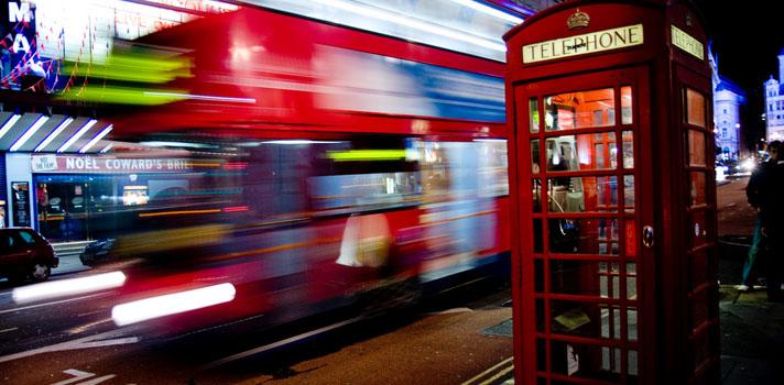 Las emblemáticas cabinas telefónicas de Londres renacen de la mano de los emprendedores.