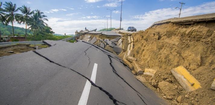 Cómo enfrentar un sismo estando en la oficina