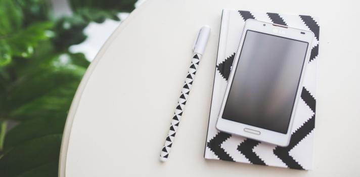 <p>Si tu meta para este 2016 es <a title=8 características de las personas productivas | Universia href=https://noticias.universia.com.ar/consejos-profesionales/noticia/2015/11/25/1133957/8-caracteristicas-personas-productivas.html target=_blank>ser más organizado y productivo</a>, podés comenzar por el primer paso: conseguir una agenda donde puedas tomar nota de tus compromisos y planificar tus actividades. Desde luego que podés utilizar una agenda tradicional, pero si preferís no gastar dinero o querés asegurarte de llevarla siempre contigo, en esta ocasión te proponemos un listado de <strong>30 aplicaciones que funcionarán como una agenda electrónica en tu smartphone Andoid</strong>.</p><p></p><p><span style=color: #ff0000;><strong>Lee también</strong></span><br/><a style=color: #666565; text-decoration: none; title=5 herramientas digitales para ser más productivo y organizado href=https://noticias.universia.com.ar/consejos-profesionales/noticia/2015/10/09/1132194/5-herramientas-digitales-productivo-organizado.html target=_blank>»<strong>5 herramientas digitales para ser más productivo y organizado</strong></a><br/><a style=color: #666565; text-decoration: none; title=Descubrí 4 estilos de música que aumentarán tu productividad href=https://noticias.universia.com.ar/educacion/noticia/2015/10/22/1132608/descubri-4-estilos-musica-aumentaran-productividad.html target=_blank>»<strong>Descubrí 4 estilos de música que aumentarán tu productividad </strong></a><br/><a style=color: #666565; text-decoration: none; title=9 hábitos mañaneros que aumentarán tu productividad href=https://noticias.universia.com.ar/consejos-profesionales/noticia/2015/08/21/1130091/9-habitos-mananeros-aumentaran-productividad.html target=_blank>»<strong>9 hábitos mañaneros que aumentarán tu productividad</strong></a></p><p></p><ol><li><a title=Decargá la aplicación aquí href=https://play.google.com/store/apps/details?id=com.anydo.cal&hl=es target=_blank rel=me nofollow>Cal: Any.do Calendario</a><