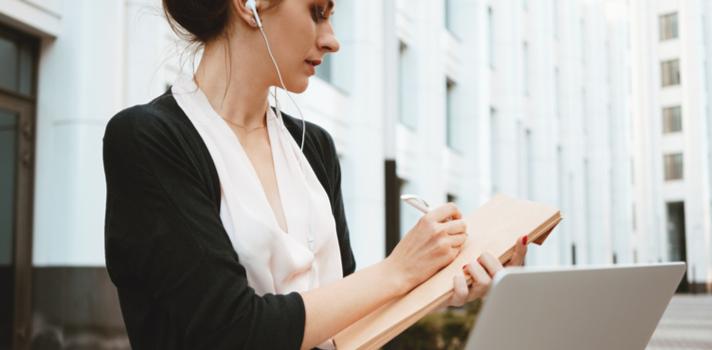 Conocer los intereses de la empresa para la que quieres postular te ayudará a redactar el currículum perfecto
