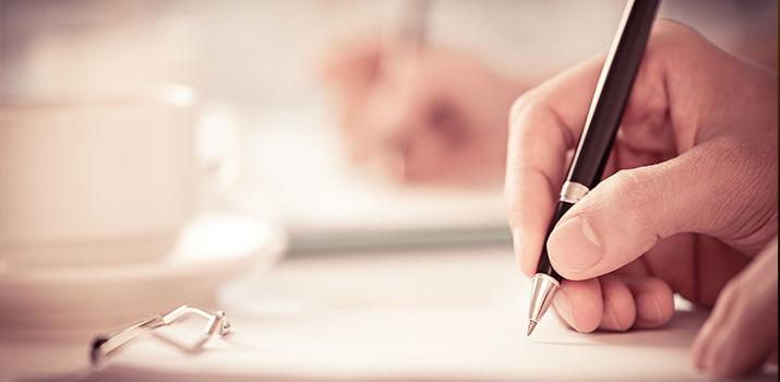 Deixe a imaginação correr e escreva em primeiro lugar para agradar a si próprio