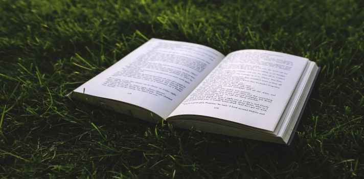 Celebra el Día del Libro disfrutando de una de estas lecturas recomendadas