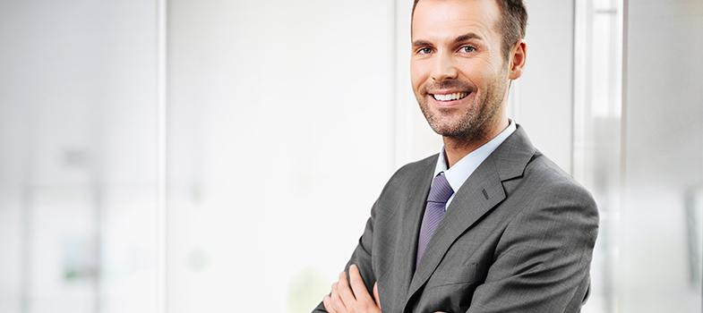 <p>O <a title=5 hábitos de atletas para melhorar sua vida profissional href=https://noticias.universia.com.br/carreira/noticia/2016/01/15/1135466/5-habitos-atletas-melhorar-vida-profissional.html>profissionalismo dentro de uma companhia </a>é responsável por grande parte do respeito que os colegas de trabalho e chefes adquirem pelo funcionário. Por isso, a postura no ambiente profissional é a grande responsável pela conquista dos objetivos e bons resultados. Para que isso aconteça, <strong> veja o que você não pode fazer no seu trabalho para não prejudicar o seu profissionalismo: </strong></p><p></p><blockquote style=text-align: center;>Cadastre-se <span style=text-decoration: underline;><a id=REGISTRO USUARIOS class=enlaces_med_registro_universia title=Cadastre-se aqui para receber dicas de carreira href=https://usuarios.universia.net/registerUserComplete.action?idC=2&idS=NOTICIAS_BR target=_blank>aqui</a></span> para receber dicas de carreira</blockquote><p><span style=color: #333333;><strong>Você pode ler também:</strong></span><br/><a style=color: #ff0000; text-decoration: none; text-weight: bold; title=Melhore seu desempenho profissional durante a manhã href=https://noticias.universia.com.br/carreira/noticia/2016/01/29/1135884/melhore-desempenho-profissional-durante-m anha.html>» <strong>Melhore seu desempenho profissional durante a manhã</strong></a><br/><a style=color: #ff0000; text-decoration: none; text-weight: bold; title=Como escolher sua especialização profissional href=https://noticias.universia.com.br/destaque/noticia/2016/01/27/1135839/escolher-especializacao-profissional.html>» <strong>Como escolher sua especialização profissional </strong></a><br/><a style=color: #ff0000; text-decoration: none; text-weight: bold; title=Todas as notícias de Carreira href=https://noticias.universia.com.br/carreira>» <strong>Todas as notícias de Carreira</strong></a></p><p></p><p><strong> 1 – Falar palavrões <br/></strong><br/> O trabalho pode ser estressante por muita