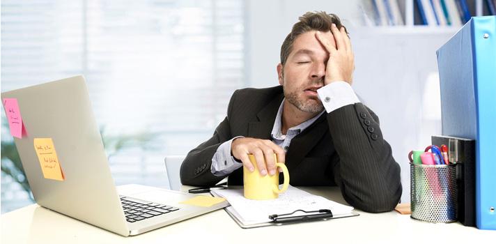 Hábitos que podem passar uma imagem errada sobre si no trabalho