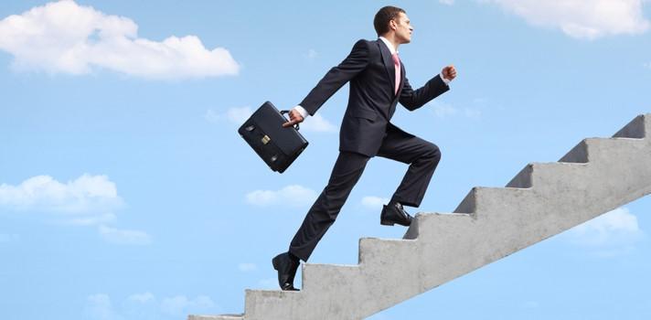 10 pasos lograr un ascenso laboral en el organigrama de una empresa