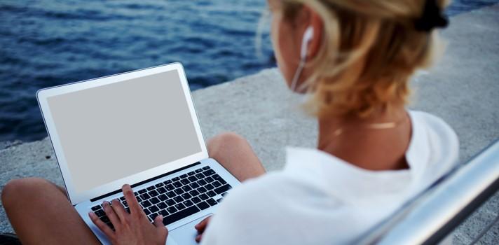 Solo el 39% de los trabajadores desconecta durante las vacaciones.