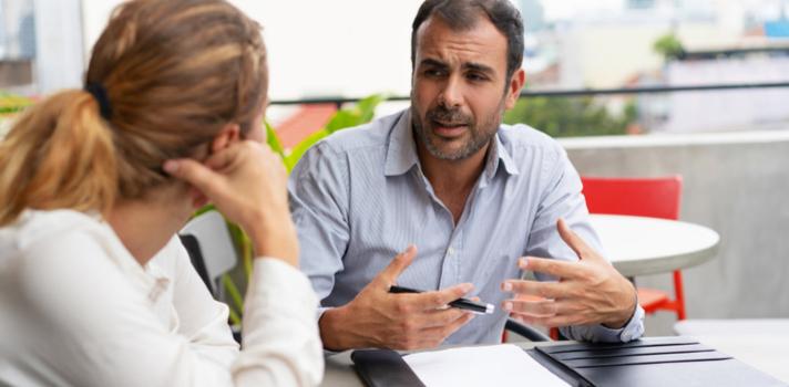 Aunque tu jefe no sea especialmente amable contigo existen otros indicadores para saber cuánto confía en ti