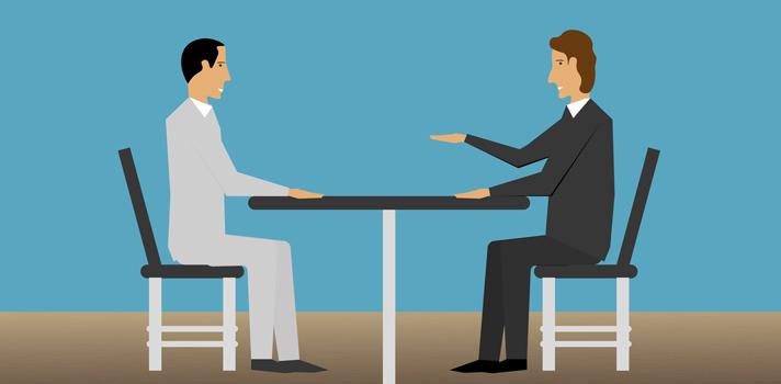 """<p>La pregunta de """"<strong>¿por qué quieres trabajar en esta empresa?</strong>"""" es muy común en las entrevistas laborales. En apariencia inofensiva, esta interrogante es tanto una oportunidad para brillar como una invitación al fracaso. En esta nota te enseñamos a responderla de la mejor manera.</p><blockquote style=text-align: center;>Registra tu hoja de vida <a id=EMPLEO class=enlaces_med_generacion_cv title=Portal de Empleo Universia Colombia href=https://empleos.universia.net.co/buscoempleo/>aquí</a> y postúlate a las ofertas laborales.</blockquote><p>Según el libro """"<a title=How to Answer the 64 Toughest Interview Questions href=https://soulsearch.files.wordpress.com/2007/05/64interviewquestions1.pdf target=_blank>How to Answer the 64 Toughest Interview Questions</a>"""", esta interrogante tiene un solo propósito: descubrir cuánto has investigado acerca de la compañía antes de acudir a la entrevista. En definitiva, si has hecho tu tarea o no.</p><p>Por este motivo, si quieres dar una buena respuesta, debes asegurarte de cumplir con uno de los mandamientos básicos de las entrevistas laborales: <strong>conocer a fondo qué hace la empresa a la que te estás postulando.</strong></p><p>Para ello puedes, además de visitar su página web, analizar sus anuncios, buscar artículos que mencionen a la empresa, contactarte con algún empleado, ex empleado o cliente, y otros materiales y recursos que puedas encontrar sobre ella.</p><p>A la hora de responder, sorprende a tu entrevistador detallando las cualidades hazañas de la empresa que te provocan admiración, interés y ansias de incorporarte al equipo. ¡No desaproveches esta oportunidad de mostrar lo que sabes!</p><p></p><p><strong>Lee también</strong><br class=Apple-interchange-newline/><a href=https://noticias.universia.net.co/practicas-empleo/noticia/2016/03/09/1137195/entrevistas-trabajo-responder-preguntan-como-ves-cinco-anos.html>Entrevistas de trabajo: qué responder cuando preguntan """"cómo te ves en cinco años""""</a></p>"""