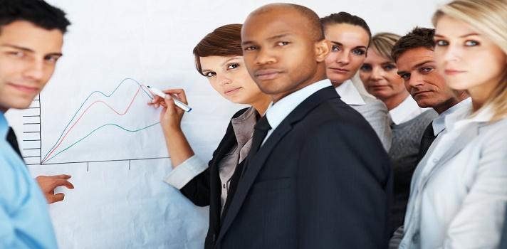 <p>A diario enfrentamos situaciones en las que tenemos que explicar por qué es correcta nuestra manera de pensar o de actuar. Y en esas situaciones es fundamental contar con buenos argumentos que nos ayuden a respaldar nuestras ideas. Conocé <strong>6 formas de argumentar con éxito y ganar una discusión</strong>.</p><p></p><p><span style=color: #ff0000;><strong>Lee también</strong></span><br/><a style=color: #666565; text-decoration: none; title=¿Qué hacer cuando tu equipo te lleva la contra? href=https://noticias.universia.com.ar/consejos-profesionales/noticia/2015/07/27/1128860/hacer-equipo-lleva.html>» <strong>¿Qué hacer cuando tu equipo te lleva la contra?</strong></a><br/><a style=color: #666565; text-decoration: none; title=7 maneras de ejercer la persuasión href=https://noticias.universia.com.ar/empleo/noticia/2014/01/27/1077495/7-maneras-ejercer-persuasion.html>» <strong>7 maneras de ejercer la persuasión</strong></a> <br/><a style=color: #666565; text-decoration: none; title=¿Qué aspectos hay que considerar para negociar? href=https://noticias.universia.com.ar/empleo/noticia/2014/07/14/1100502/aspectos-considerar-negociar.html>» <strong>¿Qué aspectos hay que considerar para negociar?</strong></a></p><p></p><p>En primer lugar es importante tener claro qué es la <strong>retórica, la oratoria y la dialéctica</strong> porque son conceptos anteriores a la argumentación que comenzaron a ser utilizados por los griegos. Por un lado la retórica es el arte de poder idear un método para persuadir al otro e incitarlo a que apruebe nuestra forma de pensar.</p><blockquote style=text-align: center;>¿Te interesa la filosofía y la psicología? Conocé los cursos disponibles en el <span style=text-decoration: underline;><strong><a id=CURSOS class=enlaces_med_leads_formacion title=Portal de Cursos href=https://cursos.universia.com.ar/psicologia-ciencias-sociales>Portal de Cursos</a></strong></span></blockquote><p>Para llevar la retórica a la práctica, utilizamos la oratoria, es