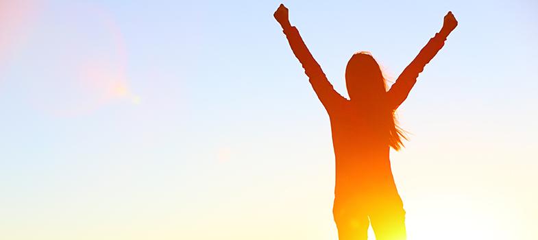<p>Ter <a title=5 livros para obter o sucesso profissional href=https://noticias.universia.com.br/carreira/noticia/2015/08/28/1130412/5-livros-obter-sucesso-profissional.html>sucesso dentro do ambiente profissional</a>é um desafio buscado constantemente. Além de dedicação e empenho para que as atividades diárias aconteçam, é essencial entender o cenário específico de uma profissão e do mercado como um todo. <strong> Confira hábitos de pessoas bem-sucedidas que farão com que você se torne uma:</strong></p><p></p><p></p><blockquote style=text-align: center;>Cadastre-se <span style=text-decoration: underline;><a id=REGISTRO USUARIOS class=enlaces_med_registro_universia title=Cadastre-se aqui para receber dicas de carreira href=https://usuarios.universia.net/registerUserComplete.action?idC=2&idS=NOTICIAS_BR target=_blank>aqui</a></span> para receber dicas de carreira</blockquote><p><span style=color: #333333;><strong>Você pode ler também:</strong></span><br/><a style=color: #ff0000; text-decoration: none; text-weight: bold; title=5 dicas para conseguir sucesso em um blog href=https://noticias.universia.com.br/carreira/noticia/2016/01/29/1135883/5-dicas-conseguir-sucesso-blog.html>» <strong>5 dicas para conseguir sucesso em um blog</strong></a><br/><a style=color: #ff0000; text-decoration: none; text-weight: bold; title=4 frases que um profissional de sucesso diz todos os dias href=https://noticias.universia.com.br/carreira/noticia/2016/01/29/1135931/4-frases-profissional-sucesso-diz-todos-dias.html>» <strong>4 frases que um profissional de sucesso diz todos os dias</strong></a><br/><a style=color: #ff0000; text-decoration: none; text-weight: bold; title=Todas as notícias de Carreira href=https://noticias.universia.com.br/carreira>» <strong>Todas as notícias de Carreira</strong></a></p><p></p><p><strong> 1 –<a title=Entenda por que você deve manter seus objetivos em segredo href=https://noticias.universia.com.br/carreira/noticia/2015/09/22/1131381/entenda-deve-manter-obj