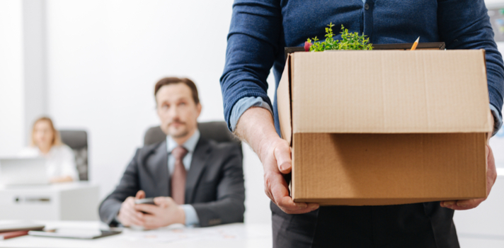 Para terminar un contrato, el empleador debe avisar al trabajador con 30 días de anticipación o pagar la indemnización sustitutiva