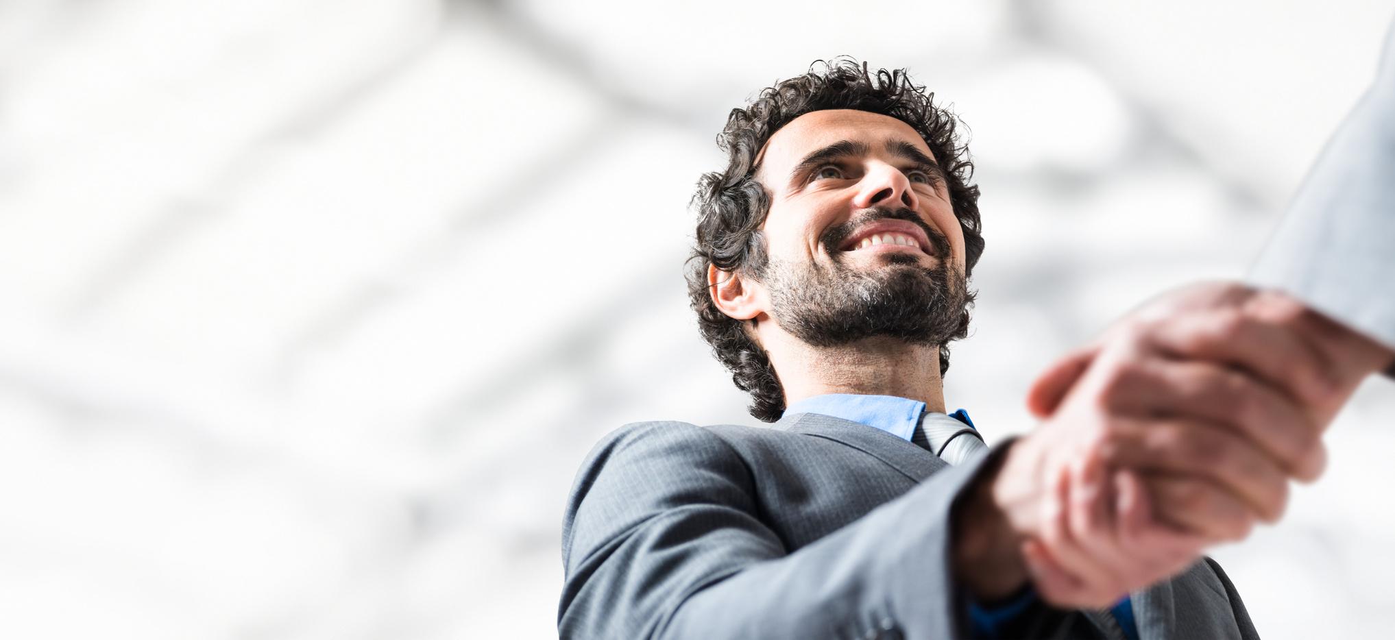 El cliente es el mayor potencial que tienen los negocios, con lo que se buscan profesionales que sepan cómo llevar a cabo las comunicaciones con él