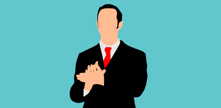 <p>Pesquisas comprovam que <strong>boa parte da comunicação humana provém da </strong><a title=Aprenda a melhorar a sua linguagem corporal href=https://noticias.universia.com.br/destaque/noticia/2014/02/26/1084927/aprenda-melhorar-sua-linguagem-corporal.html>linguagem corporal</a>. Por isso, <strong>é importante saber utilizá-la da melhor maneira</strong> prestando atenção em detalhes importantes como a postura e o contato visual, por exemplo.</p><p></p><p><span style=color: #333333;><strong>Veja também:</strong></span><br/><a style=color: #ff0000; text-decoration: none; text-weight: bold; title=Entenda por que alunos com notas medianas podem ser super bem-sucedidos href=https://noticias.universia.com.br/destaque/noticia/2015/07/27/1128926/entenda-alunos-notas-medianas-podem-s uper-bem-sucedidos.html>» <strong>Entenda por que alunos com notas medianas podem ser super bem-sucedidos</strong></a><br/><a style=color: #ff0000; text-decoration: none; text-weight: bold; title=Crianças com habilidades sociais tornam-se adultos bem-sucedidos, diz estudo href=https://noticias.universia.com.br/destaque/noticia/2015/07/27/1128921/criancas-habilidades-sociais-tornam-adul tos-bem-sucedidos-diz-estudo.html>» <strong>Crianças com habilidades sociais tornam-se adultos bem-sucedidos, diz estudo</strong></a><br/><a style=color: #ff0000; text-decoration: none; text-weight: bold; title=Todas as notícias de Carreira href=https://noticias.universia.com.br/carreira>» <strong>Todas as notícias de Carreira</strong></a></p><p></p><p>Pensando nisso, <strong>separamos 5 exemplos de linguagem corporal frequentemente utilizadas por pessoas bem-sucedidas</strong>. Confira:</p><p></p><p><strong>1 - Mantenha a postura ereta</strong></p><p>Além de beneficiar a saúde da sua coluna, <strong>manter a postura ereta passa uma sensação de confiança</strong> e competência aos colegas de trabalho. Portanto, é importante prestar atenção na forma como você se senta durante uma reunião, por exemplo.</p><p></p><