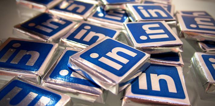 Preguntas que debes hacerte antes de aceptar a un extraño en LinkedIn
